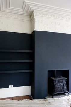 Farrow & Ball Off Black and Shadow White at the Victorian Villa Project matte black walls, white and ivory crown molding. Its an interesting juxtaposition of the modern and the antique aesthetics. Style At Home, Farrow And Ball Paint, Farrow Ball, Farrow And Ball Living Room, Shadow White Farrow And Ball, Dark Walls Living Room, Navy And White Living Room, Farrow And Ball Kitchen, Feature Wall Living Room