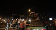 Número de detidos na Turquia durante tentativa de golpe supera 1.500 pessoas