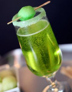 Click Pic for 23 St Patricks Day Cocktails - Sparkling Shamrock Champagne | St Patricks Day Party Ideas