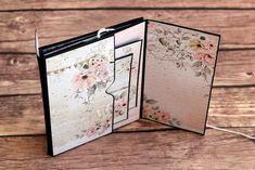 Mini Albums, Baby Mini Album, Paper Crafts, Diy Crafts, Mini Scrapbook Albums, Memory Books, Mini Books, Happy Planner, Scrapbooks