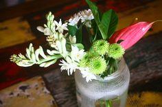 crema and crumbs: Bali flowers