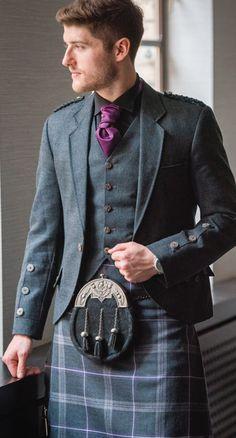 Love a man in a kilt ♥ Scottish Dress, Scottish Clothing, Scottish Kilts, Scottish Fashion, Kilt Wedding, Wedding Suits, Men In Kilts, Kilt Men, Kilt Jackets
