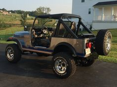 Cj Jeep, Jeep Cj7, Jacked Up Trucks, Cool Jeeps, Jeep Accessories, Jeep Renegade, Antique Cars, Vintage Cars, Us Cars