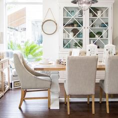 A simple but elegant coastal dining table is always the way to go, comfortable dining