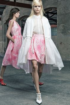 (Left) One of my favorite looks from Antonio Berardi Resort 2015 Collection (Worn by Jessica Alba)