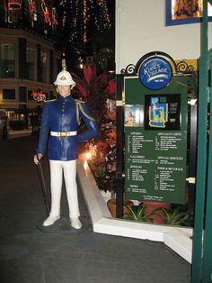 King's Village, Honolulu Hawaii ~ some great little shops here