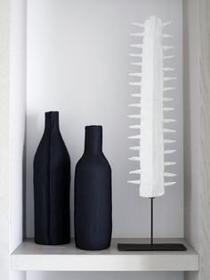 Piet Boon Styling by Karin Meyn | Cominbation of matte black and white objects