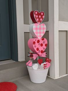 Hand painted and homemade whimsical topiaries. Valentines Day Baskets, Valentines Surprise, Valentine Day Wreaths, Homemade Valentines, Valentine Day Crafts, Happy Valentines Day, Diy Valentine's Day Decorations, Pink Christmas Decorations, Valentines Day Decorations