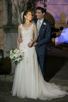 Vestido de noiva romântico e delicado - renda, bordados leves e tule ( Vestido: Martu | Foto: Marina Fava )