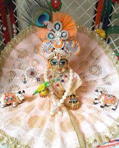 Cute Krishna, Krishna Radha, Loreal Hair Color Chart, Shree Krishna Wallpapers, Laddu Gopal Dresses, Bal Gopal, Ladoo Gopal, Dresses Kids Girl, Kids Girls