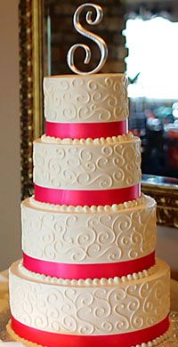 Beautiful cake - would change the ribbons to match the colors in my wedding.