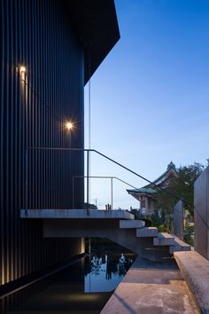 Hasshoden-Charnel House in Ryusenji Temple / Love Architecture