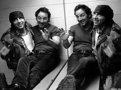 Bruce Springsteen The Greatest Artist Of All Time - Biografía The Boss Bruce, Bruce Springsteen The Boss, E Street Band, Dancing In The Dark, American Poets, Stay Young, Hello Beautiful, Greatest Hits, Cool Bands