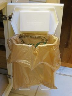 BATHROOM ORGANIZING SOLUTIONS - Bathroom Frame Trash Bag Rack