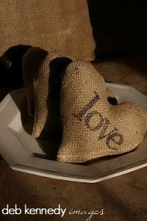 sweet little burlap hearts that I made... they look almost as good as chocolate!