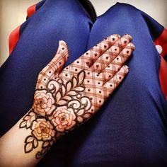 131 Simple Arabic Mehndi Designs That Will Blow Your Mind! Indian Henna Designs, Rose Mehndi Designs, Simple Arabic Mehndi Designs, Latest Bridal Mehndi Designs, Full Hand Mehndi Designs, Stylish Mehndi Designs, Henna Art Designs, Mehndi Designs For Beginners, Mehndi Design Photos