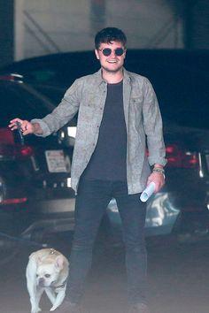 Josh Hutcherson in Hollywood, CA. Josh Hutcherson, Josh And Jennifer, Liam Hemsworth, Cute Actors, In Hollywood, Hunger Games, Gentleman, Hubba Hubba, Celebrities