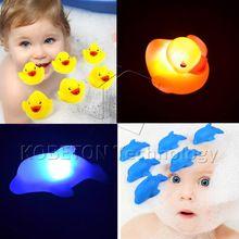 Желтая утка синий дельфин проблесковый маячок детские комплекты ванны игрушки для ванной флэш освещения игрушки из светодиодов изменение Multi цвета(China (Mainland))