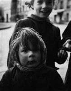 Enfants by Sabine Weiss 1951 Sabine Weiss, Global Art, Art Market, Che Guevara, Portraits, Artist, People, Fictional Characters, Head Shots