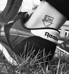 Music Tattoos, Body Art Tattoos, Small Tattoos, Tatoos, Hand Doodles, The Neighbourhood, Light Tattoo, Aesthetic Tattoo, Poke Tattoo