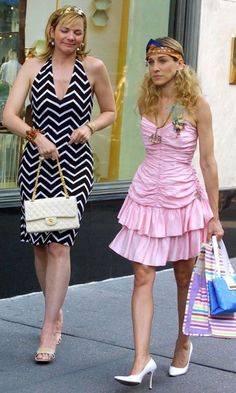 Carrie Bradshaw With Samantha Jones On A Shopping Trip, Season 4