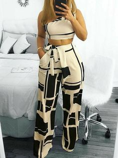 Colorblock One Shoulder Cropped Wide Pants Set – Frauen Mode Ideen Trend Fashion, Look Fashion, Womens Fashion, Fashion Tips, Ladies Fashion, Fashion Ideas, Fashion Fashion, Fashion Jewelry, Workwear Fashion