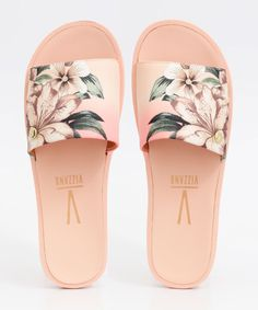 Pool Shoes, Shoes Flats Sandals, Shoe Boots, Trendy Sandals, Trendy Shoes, Cute Shoes, Fashion Slippers, Fashion Shoes, Unicorn Fashion