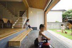 土間のある家 Japanese Home Design, Japanese House, Residential Architecture, Architecture Design, Staircase Outdoor, Morden House, Asian Interior Design, Minimal Home, Courtyard House