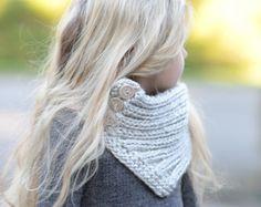 Dies ist eine Liste für The Muster nur für die Grasbüschel Schal Dieser Schal ist handgefertigt und mit Komfort und Wärme im Verstand entworfen... Ideal für die Schichtung durch der Saison... Es wäre ein wunderbares Geschenk und natürlich auch etwas für Sie oder Ihr wenig ein zu wickeln in allzu groß machen. Alle Muster in US AGB geschrieben. * Größen sind für Kleinkind, Kind und Erwachsener * Sperrige Gewicht-Garn Sie erreichen mich immer, wenn Sie irgendwelche Probleme mit dem Muster. ...