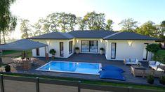 Modern House Facades, Modern Bungalow House, House Outside Design, Small House Design, Pool House Designs, Casa Loft, Beautiful House Plans, Villa Design, Cafe Design