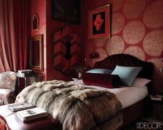 Love the red walls! This is the Madrid home of Lorenzo Castillo, an antiques dealer and interior designer, via Elle Decor. Red Walls, Wallpaper Bedroom, Bedroom Red, Elle Decor, Moody Bedroom, Romantic Room, Red Rooms, Bedroom Decor, Home Decor