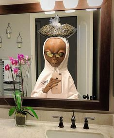an alien who takes better mirror selfies than anyone (with weed) Trippy Wallpaper, Mood Wallpaper, Tumblr Wallpaper, Iphone Wallpaper, Dope Wallpapers, Cute Cartoon Wallpapers, Aesthetic Wallpapers, Alien Pictures, Cartoon Profile Pictures