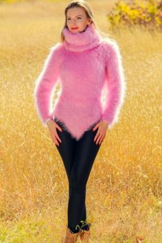 Pink hand knitted mohair bodysuit fuzzy sweater with extra long turtleneck - Strickmodelle - summer days Fluffy Sweater, Angora Sweater, Sweater Coats, Pullover Shirt, Girls Sweaters, Long Sweaters, Sweaters For Women, Gros Pull Mohair, Vestidos
