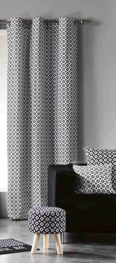 Luxusní závěsy černo bíle barvy se vzorem Curtains, Shower, Prints, Rain Shower Heads, Blinds, Showers, Draping, Picture Window Treatments, Window Treatments