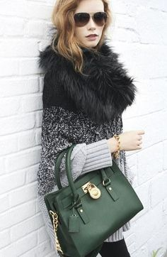 Love this emerald green handbag | Edgy Fall Fashion | Current Trends