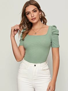 To find out about the Solid Square Neck Puff Sleeve Top at SHEIN, part of our latest T-Shirts ready to shop online today! Crop Top Outfits, Casual Outfits, Cute Outfits, Fashion Outfits, Ankara Blouse, Moda Outfits, Workout Tops, Types Of Sleeves, Blouse Designs