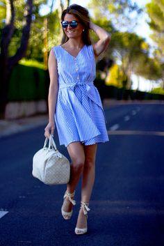 Fashion and Style Blog / Blog de Moda . Post: Romwe Dress / Vestido Romwe  .More pictures on/ Más fotos en : http://www.ohmylooks.com .Llevo/I wear: Dress / Vestido : Romwe ; Bag / Bolso : Louis Vuitton ; Sandals/ Sandalias: Pilar Burgos ; Sunglasses / Gafas de sol : Naverick vía Navarro óptico