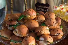Mini hamburguinho. #Lanchinhosdameianoite #Wedding #CaptainsBuffet #Buzios