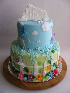 garden and sky cake - Love it! It's just a shame fondant never tastes as good as it looks.