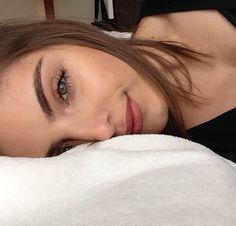 Le maquillage naturel pour les sourcils épais - Se maquiller sans avoir l'air…