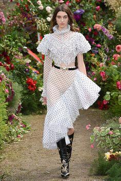Sfilata Rodarte Parigi - Collezioni Primavera Estate 2018 - Vogue