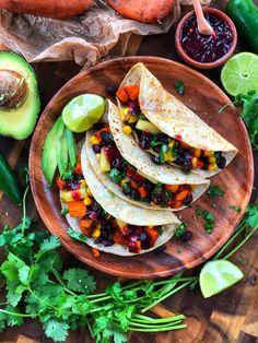 Plant Based Eating, Plant Based Diet, Plant Based Recipes, Plant Diet, Vegetable Recipes, Vegetarian Tacos, Vegetarian Recipes, Healthy Recipes, Vegan Meals