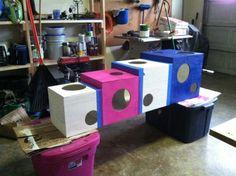 http://bakecreatelove.com/2012/01/25/buddys-super-cool-cat-condo/