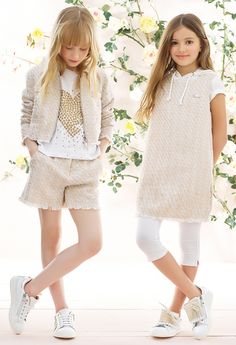 Discover the new collection of women's clothing in the official TWINSET Milano store. Fashion Kids, Preteen Fashion, Toddler Fashion, Trendy Fashion, Little Girl Outfits, Little Girl Fashion, Baby Girl Dresses, Baby Dress, Moda Junior