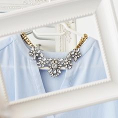 Glam And Glitter Statement Necklace #fashion #style #outfit #clear #statementnecklace - 24,90 € @happinessboutique.com