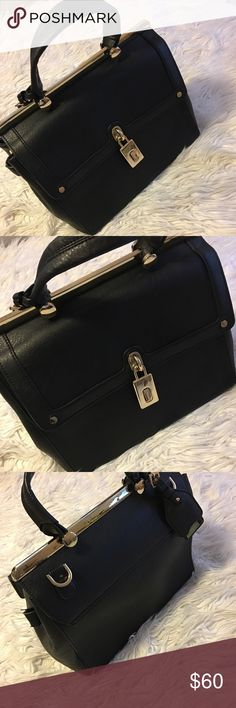 Dune London Purse Dune London Purse (does not come with a crossbody strap) Please note the wear on outside folds on the purse dune london Bags