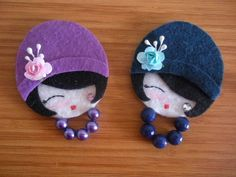 kokeshi laleczka broszka na Stylowi.Little lady felt broochesso cute! have to try with fimo! Felt Crafts, Fabric Crafts, Sewing Crafts, Diy And Crafts, Crafts For Kids, Arts And Crafts, Felt Flowers, Fabric Flowers, Craft Projects
