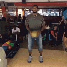 Funny pictures about The Reason NBA Players Shouldn't Bowl. Oh, and cool pics about The Reason NBA Players Shouldn't Bowl. Also, The Reason NBA Players Shouldn't Bowl photos. Super Funny, Funny Cute, The Funny, Funny Jokes, Hilarious, Funny Gifs, Bowling Memes Funny, Videos Funny, Funny Nba Memes