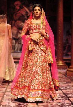 India Bridal Fashion Week 2013 – Suneet Varma elaborate red bridal wedding lehenga