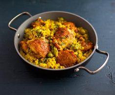 Kuřecí kuskus | Recepty Albert Garam Masala, Tandoori Chicken, Tofu, Poultry, Quinoa, Cauliflower, Food And Drink, Healthy Recipes, Vegetables